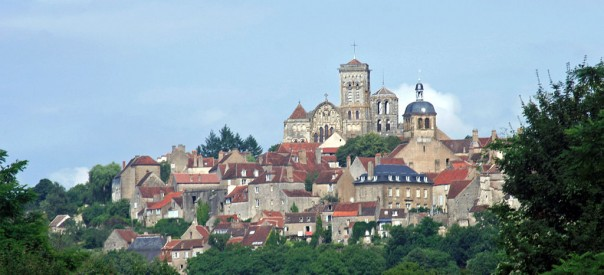 1024px-Vezelay_from_West